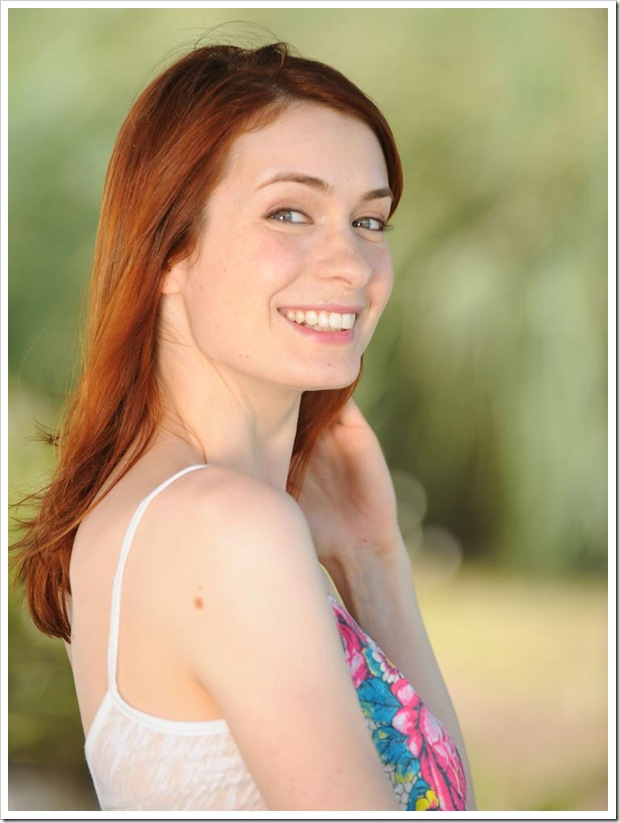 felicia-day-ron-jaffe-photoshoot-july-2008-mq-17