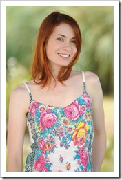 felicia-day-ron-jaffe-photoshoot-july-2008-mq-20
