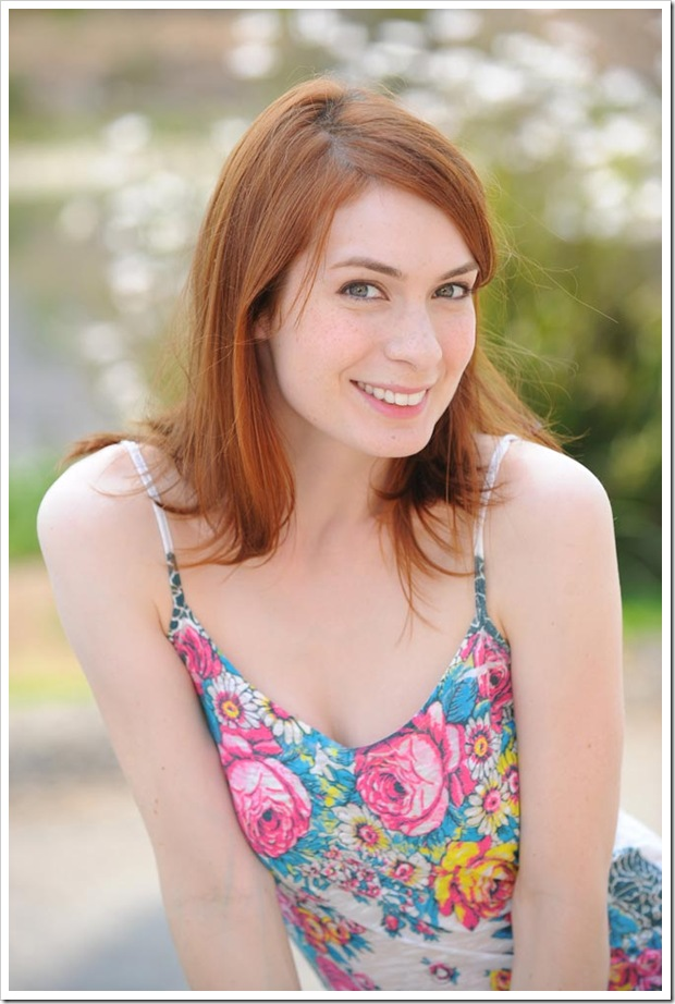 felicia-day-ron-jaffe-photoshoot-july-2008-mq-21