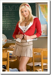 blond_uczennica_03