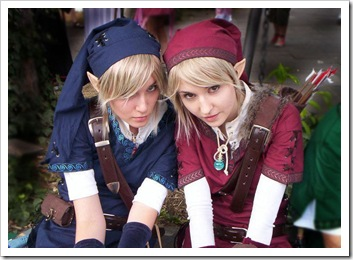 a956804_link_cosplayers