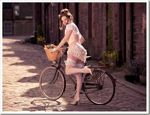 pinup_bike_2
