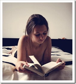 reading_is_sexy_I_by_SweetNovella