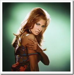 600full-raquel-welch (2)