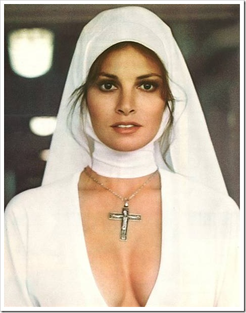 600full-raquel-welch (8)
