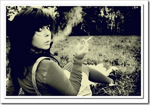 blackwhitephotographysmokegirlcigarettegrass0a75c140723d94a4