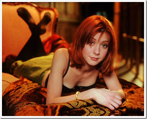 Alyson-Hannigan-Wallpaper-2