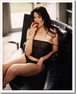 sexylucylawless1
