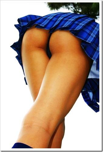 sexy-girl-skirt-butt
