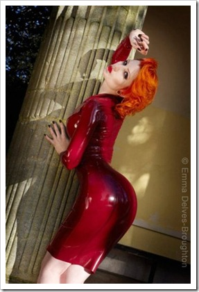 sexy red in latex1