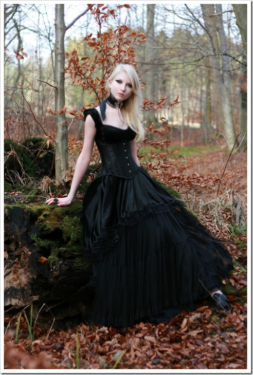 lovely goth