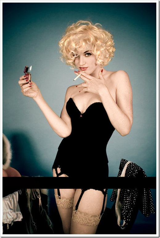 hot blonde pinup