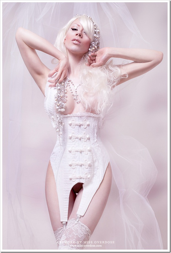 snow_white_queen_by_ophelia_overdose-d54g3hm
