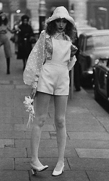 wpid-hotpants-1970-girl-wedding.jpg