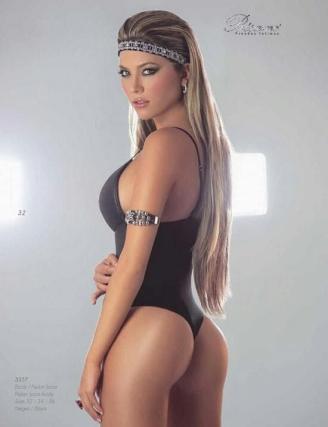 hot-daniela-tamayo-nude-tits-free-pics