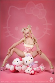 hello-kitty-fashion.jpg