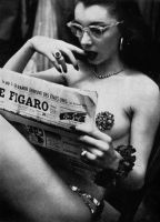 Back-stage-at-a-burlesque-club-circa-1950