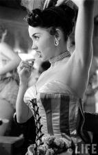 Las-Vegas-showgirl-Dale-Strong-1952.