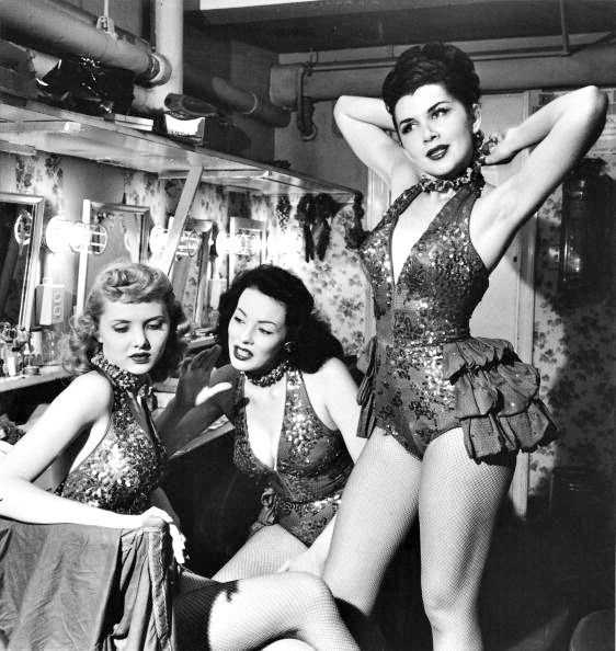 Showgirls-backstage-at-a-nightclub-circa-1950